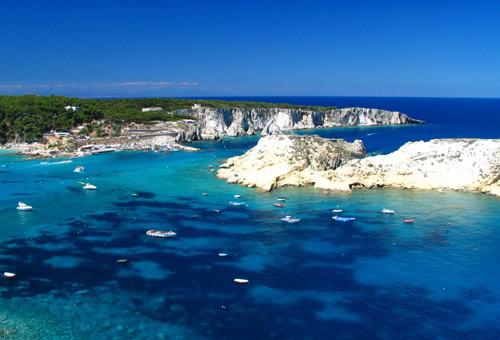 Grotte, fondali e rocce: la magia delle Isole Tremiti