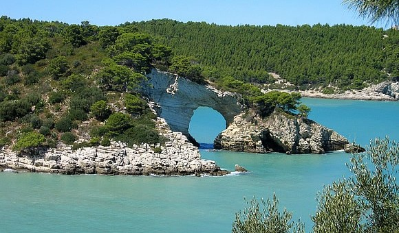Il litorale fra Vieste e Peschici: calette segrete, spiagge dorate e paradisi naturali