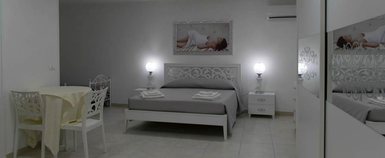 Camera Matrimoniale A Grottaglie.Offerta Benessere Pasqua A Grottaglie